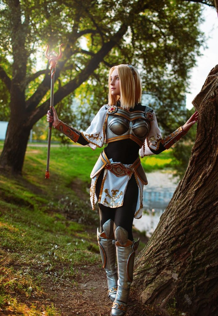 Cosplay di League of Legends Lux